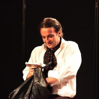 Xavier DECIS Membre comédien Adhésion : 2009 Devise : Le monde entier joue la comédie. Il suffit de bien observer ses contemporains. Plutarque