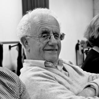 Georges GRANER Membre comédien Boulogne-Billancourt (92) Adhésion : 1999 Expérience théâtrale précédente : 11 ans, cours Motivations : être quelqu'un d'autre et travailler en équipe Devise : faire sérieusement ce qu'on entreprend mais ne pas se prendre au sérieux