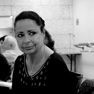 Manuela Leguern Membre comédien Depuis 1992 dans cette Troupe , et depuis encore bien plus dans la belle et grande Famille du Théâtre, ce coup de foudre date du collège , de lectures de poésies et de quelques montages de scénettes du répertoire Classique. Cette expérience unique qu' est le Théâtre , un Univers d'humilité , de solidarité , de partage dans le plaisir de jouer , de donner et de recevoir. Que d' émotions , de bonheur entre rires et pleurs ! Les scènes de la Vie et du Théâtre ne sont-elles pas intimement liées ?