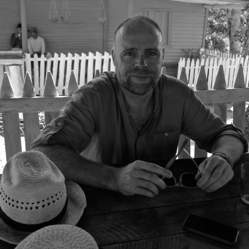 Sébastien GIMENEZ Membre comédien Ville-d'Avray (92), Adhésion : 2002 Pas d'expérience théâtrale précédente Motivations : donner du plaisir sur scène Devise : we can change the world (Ben Harper)